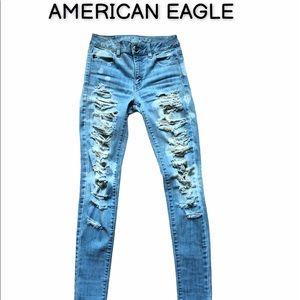 AMERICAN EAGLE destroyed jeggings